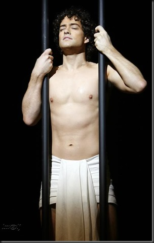 Lee_Mead_shirtless_13