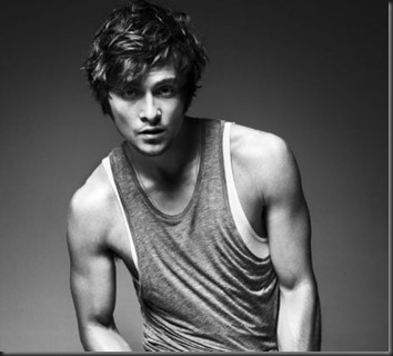 Shiloh Fernandez sexy 02