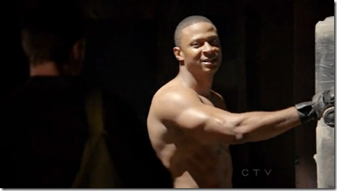 David_Ramsey_shirtless_03