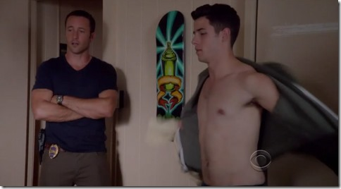 nick jonas shirtless hawaii five-0