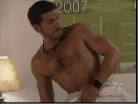 Paulo_César_Quevedo_shirtless_14