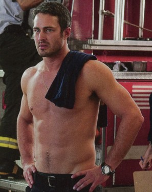 taylor-kinney-chicago-fire-1-297x375