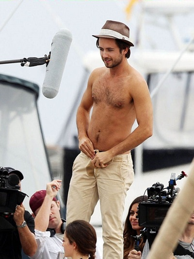 Justin_Chatwin_shirtless_16